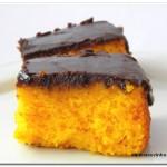 Bolo de Cenoura com Calda de Chocolate (aquela durinha)