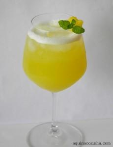 Receita de Suco de Abacaxi com Hortelã