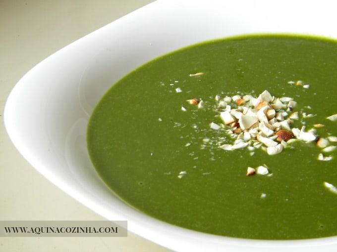 Sopa detox de espinafre