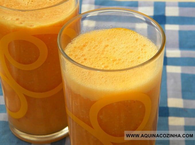 Suco funcional de cenoura com abacaxi, chia, quinoa e amaranto